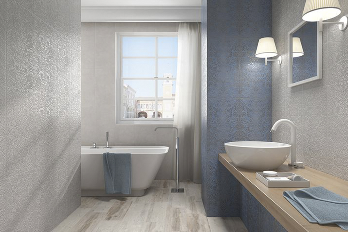 Baño en blanco y azul